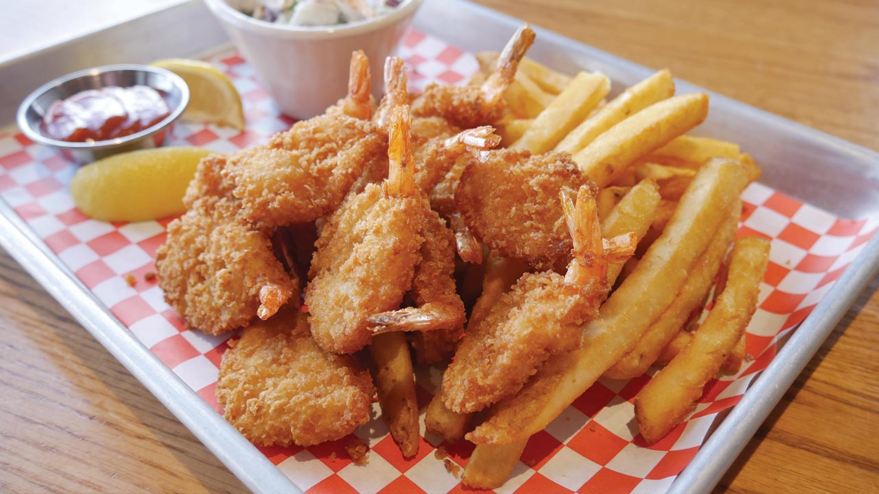 picture of fried gulf shrimp and chips