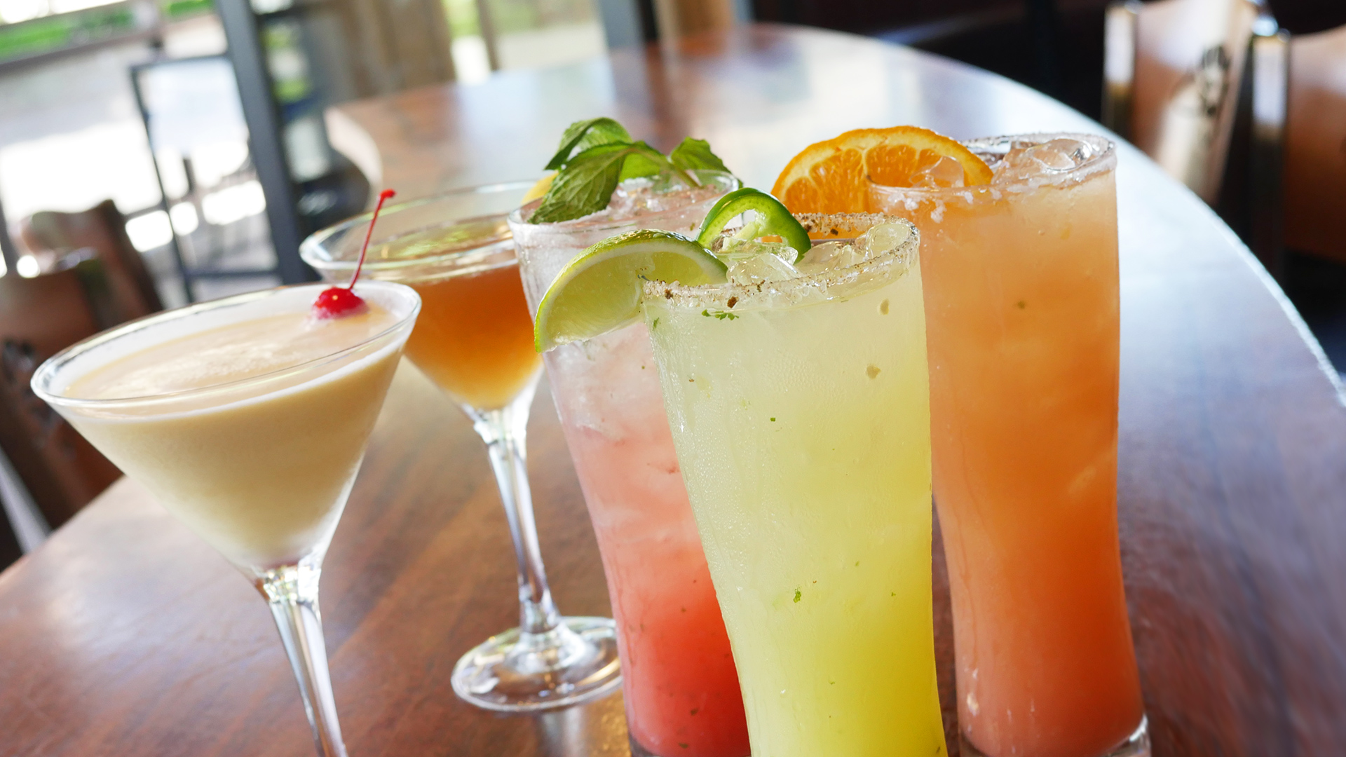 picture of summer cocktails